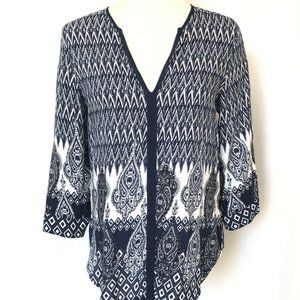 Women's Blue and White 3/4 sleeve blouse  Small